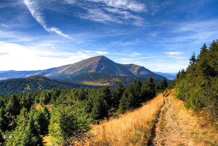 Поход в горы на Петрос ( черногора )