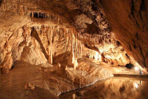 горные пещеры