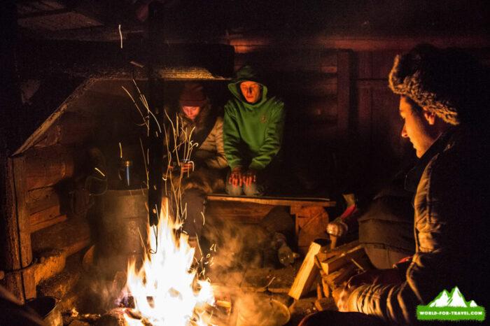 Карпаты, греемся возле огня