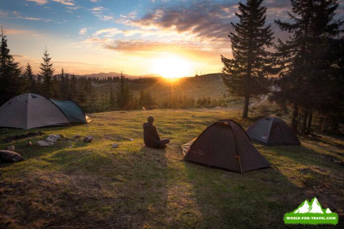 палаточный городок, закат на горе Синичка