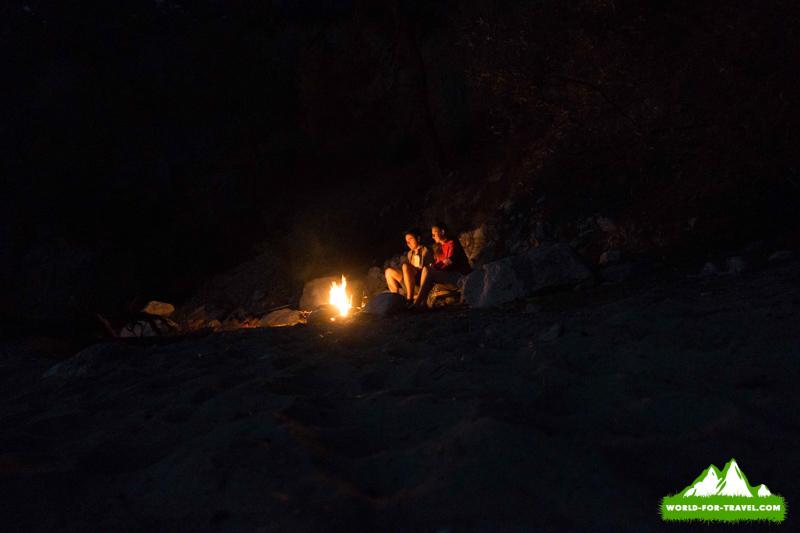 Ликийская тропа (Lycian Way) на пляже возле костра