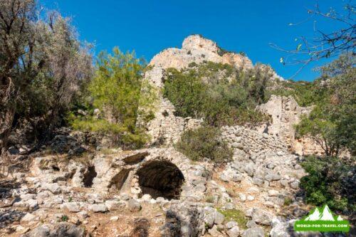 пещера руины поселения