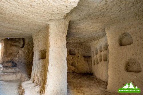 Каппадокия, Долины любви, пещера с середины
