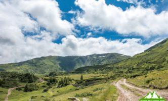 Поход в горы Румунии, Рогдна — Кайлор — Веселое кладбище-05965